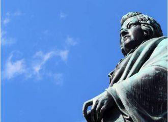 Mozart Statue